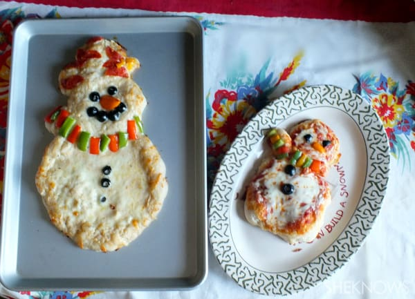 make a snowman pizza